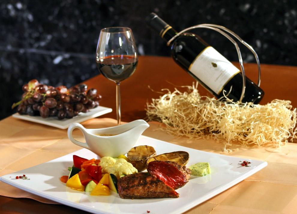 la cuisine fran aise fait r f rence divers styles gastronomiques. Black Bedroom Furniture Sets. Home Design Ideas