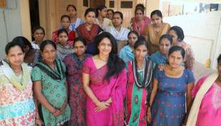 Dr_Nayna_Patel_et_les_m_res_po